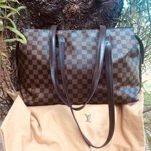 Louie Vuitton Damier Chelsea Bag